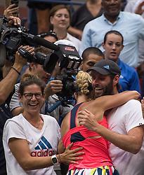 Die neue Nummer 1: Angelique Kerber umarmt Trainer Torben Beltz bei den US Open in Flushing Meadows<br /> <br /> / 100916<br /> <br /> *** US Open at USTA Billie Jean King National Tennis Center in the Flushing neighborhood of the Queens borough of New York City; September 10th, 2016 ***