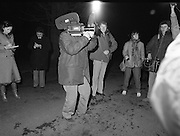 Dissolution of  22nd  Dáil Éireann 1982. .27/01/1982.01/27/82.27th January 1982.Image of the Media gathering at Áras an Uachtaráin  for arrival of Taoiseach Garret Fitzgerald.