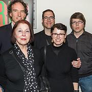 NLD/Amsterdam/20190224 - inloop toneelstuk Turks Fruit, Biograaf Onno Bloem, Karina Wolkers en kinderen