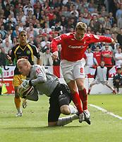 Photo: Steve Bond/Richard Lane Photography. <br />Nottingham Forest v Yeovil Town. Coca-Cola Football League One. 03/05/2008. Keeper Steve Mildenhall under pressure from Kris Commons (R)