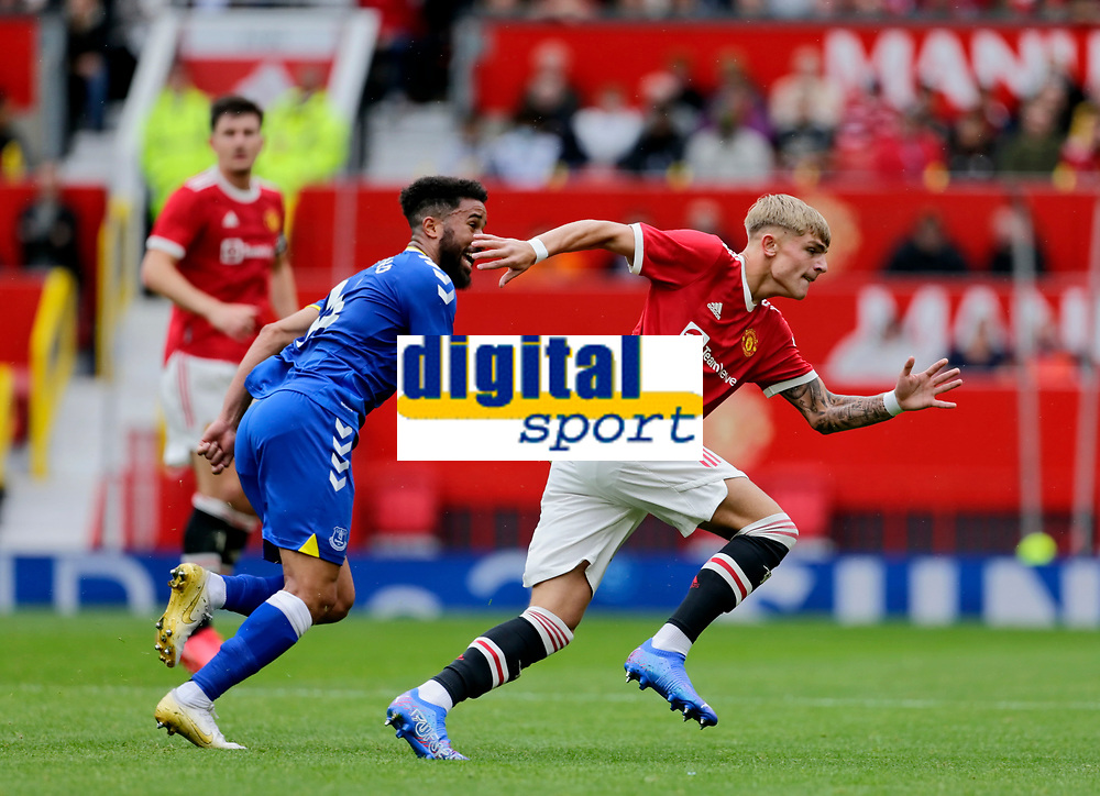 Football - 2021 / 2022 Pre-Season Friendly - Manchester United vs Everton - Old Trafford - Saturday 7th August 2021<br /> <br /> Andros Townsend of Everton tracks the run of Manchester United's Brandon Williams, at Old Trafford.<br /> <br /> COLORSPORT/ALAN MARTIN