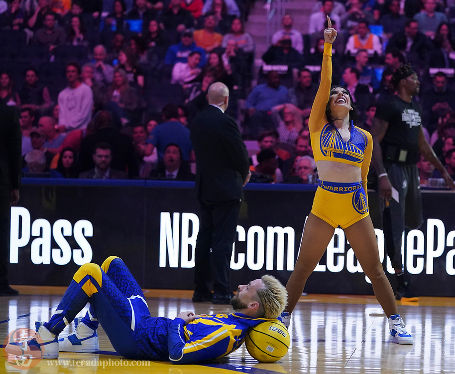 February 27, 2020; San Francisco, California, USA; Golden State Warriors Dance Team dancers Walker (left) and Areli (right) during the first quarter against the Los Angeles Lakers at Chase Center.