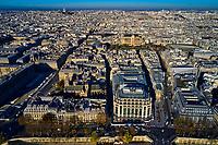 France, Paris (75), zone classée Patrimoine Mondial de l'UNESCO, église Saint-Germain l'Auxerrois et le Louvre// France, Paris (75), area listed as World Heritage by UNESCO, Saint-Germain l'Auxerrois church and the Louvre