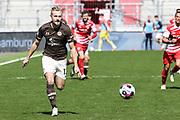 Fussball: 2. Bundesliga, FC St. Pauli - Würzburger Kickers, Hamburg, 17.04.2021<br /> Lukas Daschner (Pauli)<br /> © Torsten Helmke