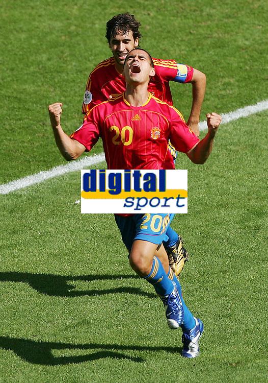 Jubel Spanien 1:0 Raul, Juanito<br /> Fussball WM 2006 Saudi-Arabien - Spanien<br /> Spania - Saudi-Arabia<br /> Norway only