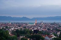 VICENZA, VEDUTA DEL CENTRO STORICO, LA BASILICA PALLADIANA (architetto Andrea Palladio 1549) E IL DUOMO, VENETO, ITALIA