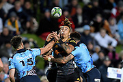 Sean Wainui of the Chiefs competes for a high ball with Rahboni Warren-Vosayaco of the Waratahs (right) during the Round 5 Trans-Tasman Super Rugby match between NSW Waratahs and Waikato Chiefs at Brookvale Oval in Sydney, Saturday, June 12, 2021. (AAP Image/Dan Himbrechts) NO ARCHIVING, EDITORIAL USE ONLY