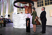 Koningin Maxima verricht in de Augustijnenkerk de opening van de tentoonstelling Een Koninklijk Paradijs - Aert Schouman en de verbeelding van de natuur in het Dordrechts Museum.<br /> <br /> Queen Maxima performed in the Augustinian Church, the opening of the exhibition A Royal Paradise - Aert Schouman and imagination of nature in the Dordrecht Museum.<br /> <br /> op de foto / On the photo:  Koningin Maxima verricht de officiele opening //// officiall opening by Queen Máxima