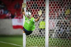 Goleiro do Bahia, Marcelo Lomba faz defesa na partida contra o Internacional válida pela Copa Sul-Americana 2014, no Beira-Rio. FOTO: Jefferson Bernardes/ Agência Preview