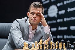 November 10, 2018 - London, GREAT BRITAIN - 181110 Magnus Carlsen of Norway during round 2 of The FIDE World Chess Championship 2018 on November 10, 2018 in London. .Photo: Fredrik Varfjell / BILDBYRÃ…N / kod FV / 150158 (Credit Image: © Fredrik Varfjell/Bildbyran via ZUMA Press)