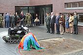 Koningin Beatrix  bij opening nieuwe kazerze EOD