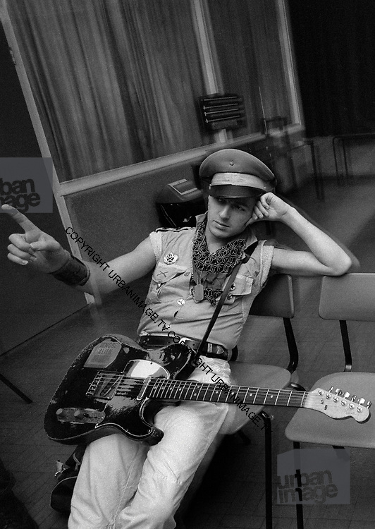 Joe Strummer  The Clash backstage at the Manchester Apollo 1980