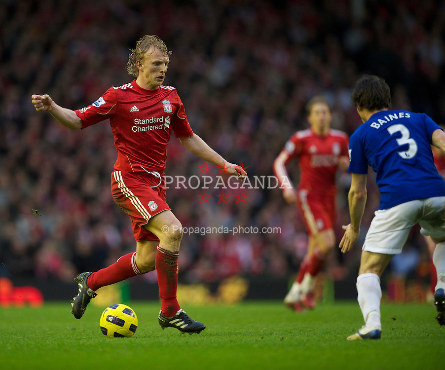 LIVERPOOL, ENGLAND - Sunday, January 16, 2011: Liverpool's Dirk Kuyt in action against Everton during the Premiership match at Anfield. (Photo by: David Rawcliffe/Propaganda)