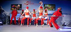 14.10.2011, Shopping City Seiersberg, Graz, AUT, Einkleidung OeSV Team, im Bild Models stimmen auf die Show ein, EXPA Pictures © 2011, PhotoCredit: EXPA/ Erwin Scheriau