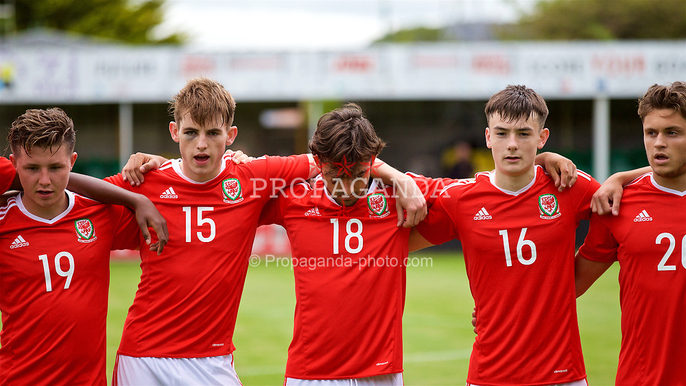 RHYL, WALES - Monday, September 4, 2017: Wales players line-up before an Under-19 international friendly match between Wales and Iceland at Belle Vue. Rhys Norrington-Davies, Daniel Mooney, Dylan Levitt. (Pic by Paul Greenwood/Propaganda)