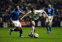 Joe Cole England/ Rail Malikov Azerbaijan<br />England V Azerbaijan 30/03/05<br />World Cup Qualifying Match<br />Photo Robin Parker Fotosports International