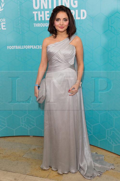 © Licensed to London News Pictures. 17/11/2017.  London, UK. ARMEENA KHAN attends the Football For Peace Inaugural Ball held at Guildhall. Photo credit: Ray Tang/LNP