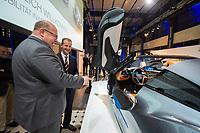 23 OCT 2012, BERLIN/GERMANY:<br /> Peter Altmaier (L), CDU, Bundesumweltminister, und Dr.-Ing. Herbert Diess (R), Mitglied des Vorstandsmitglied Entwicklung der BMW AG, besichtigen eine Studie eines Elektroautos, BMW Leistungsschau Elektromobilitaet, E-Werk Berlin<br /> IMAGE: 20121023-02-077<br /> KEYWORDS: Automobilindustrie, KFZ, Auto, Elektromobilität, E-Mobility