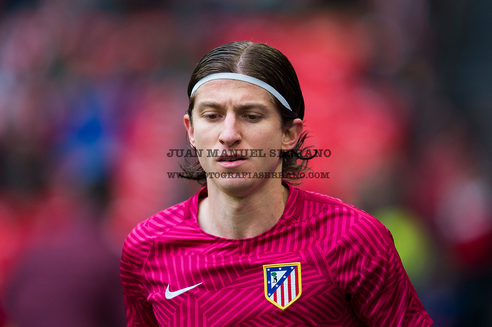 BILBAO, SPAIN - JANUARY 22:Filipe Luis of Atletico Madrid looks on prior to the start the La Liga match between Athletic Club Bilbao and Atletico Madrid at San Mames Stadium on January 22, 2017 in Bilbao, Spain.  (Photo by Juan Manuel Serrano Arce/Getty Images)
