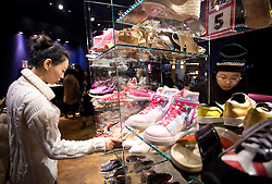 © Licensed to London News Pictures. 26/12/2015. London, UK. Shoppers buy goods at Selfridges, Oxford Street, central London, on Boxing Day sales. Photo credit : LNP