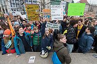 """22 MAR 2019, BERLIN/GERMANY:<br /> Kinder, Schueler und Jugendliche demonstrieren bei einer Demo """"Fridays for Future"""" fuer mehr Klimaschutz, Invalidenpark<br /> IMAGE: 20190322-01-017<br /> KEYWORDS: Demonstration, Protest, portester, Youth, Clima, climate change, Demonstranten, Klimarettung, Demo, Schulstreik, Streik, Schüler, Klimawandel."""