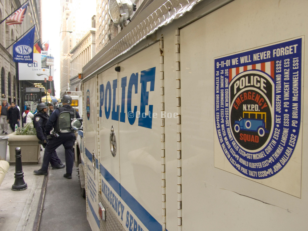 NY emergency police unit on wall street