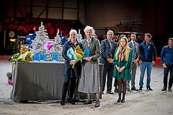 L'Année Hippique Awards<br /> Van der Net Inge, Mrs. Jane Tuckwell, Event Director Badminton Horse Trials<br /> CHI Genève 2019<br /> © Hippo Foto - Dirk Caremans<br />  14/12/2019