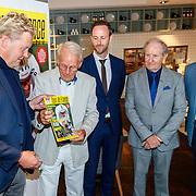 NLD/Amsterdam/20180614 - Doop rondvaartboot Jan Janssen, overhandiging 1e exemplaar aan Hennie Kuiper, Ab Geldermans en Jan Janssen