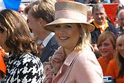 On Queensday, april 30th the Queen attends the celebrations of Queensday in Scheveningen near the Hague.<br /> This is her 25th jubilee.<br /> <br /> Op Koninginnedag, 30 april, is de Koningin  's Middags aanwezig metn en haar familie het koninginnedagfeest mee te vierten in Scheveningen.<br /> <br /> On The photo / On the Photo;<br /> <br /> <br /> Princes Maxima / Princes Maxima