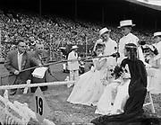 Y-540612-005. Rose Festival, Grand Floral Parade. June 12, 1954. KOIN radio interviews children on float 19