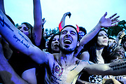 20171202/ Javier Calvelo - adhocFOTOS/ URUGUAY/ MONTEVIDEO/ Montevideo Rock / Rural del Prado/ Los días 1, 2 y 3 de diciembre en la Rural de Prado se realiza el Montevideo Rock y Montevideo Tropical, que forman parte de los Festivales por la Convivencia.<br /> En la foto: Público asistente durante la actuación de Trotsky Vengarán en el Montevideo Rock 2017. Foto: Javier Calvelo/ adhocFOTOS
