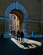 Brama Wazów, najstarsza z trzech bram wjazdowych, prowadzących na wzgórze wawelskie, Kraków, Polska<br /> The Vasa Gate, the oldest of the three entry gates leading to the Wawel Hill, Cracow, Poland