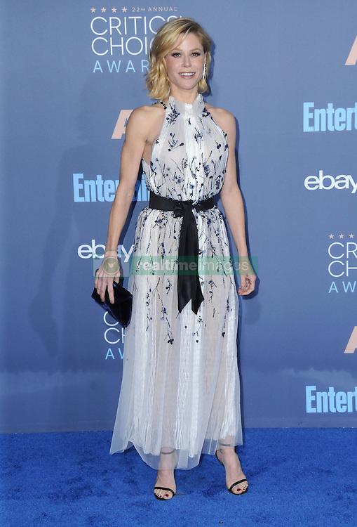 Julie Bowen  bei der Verleihung der 22. Critics' Choice Awards in Los Angeles / 111216