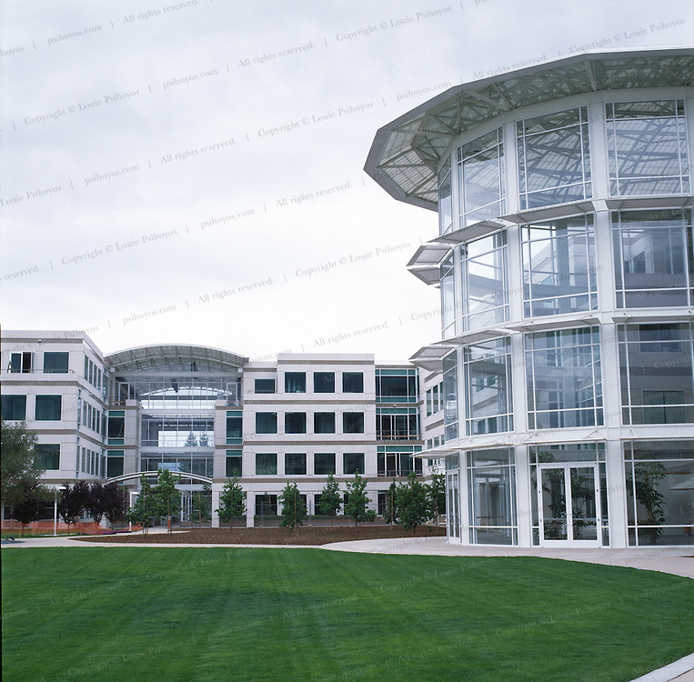 Apple Computer Headquarters, Cupertina, California.