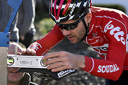 December 15, 2017 - Majorca, SPAIN - Belgian Maxime Monfort of Lotto Soudal uses a spirit level for his saddle during a press day during Lotto-Soudal cycling team stage in Mallorca, Spain, ahead of the new cycling season, Friday 15 December 2017. BELGA PHOTO DIRK WAEM (Credit Image: © Dirk Waem/Belga via ZUMA Press)