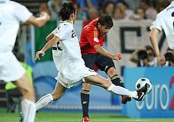 David Villa (R) of Spain and Alberto Aquilani of Italy during the UEFA EURO 2008 Quarter-Final soccer match between Spain and Italy at Ernst-Happel Stadium, on June 22,2008, in Wien, Austria.  (Photo by Vid Ponikvar / Sportal Images)