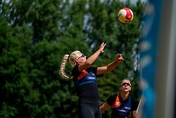 Raïsa Schoon, Katja Stam in action. From July 1, competition in the Netherlands may be played again for the first time since the start of the corona pandemic. Nevobo and Sportworx, the organizer of the DELA Eredivisie Beach volleyball, are taking this opportunity with both hands. At sunrise, Wednesday exactly at 5.24 a.m., the first whistle will sound for the DELA Eredivisie opening tournament in Zaandam on 1 July 2020 in Zaandam.