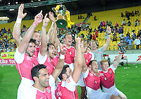 England celebrate after they defeated Kenya in the final at the IRB International Rugby Sevens, Westpac, Wellington, New Zealand, Saturday, February 02, 2013. Credit:SNPA / Ross Setford