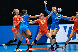 Kelly Dulfer of Netherlands, Elisabeth Omoregie of Slovenia, Danick Snelder of Netherlands in action during the Women's friendly match between Netherlands and Slovenia at De Maaspoort on march 19, 2021 in Den Bosch, Netherlands (Photo by RHF Agency/Ronald Hoogendoorn)