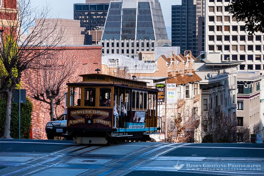 United States, California, San Francisco. Cable car on Nob Hill.