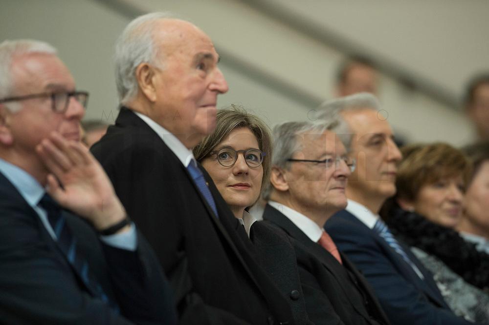 19 DEC 2014, DRESDEN/GERMANY:<br /> Helmut Kohl (L), CDU, Bundeskanzler a.D., und Maike Richter-Kohl (R), Ehefrau von Helmut Kohl, Veranstaltung der Konrad-Adenauer-Stiftung am 25. Jahrestag der Rede von Helmut Kohl vor der Ruine der Frauenkirche, Albertinum<br /> IMAGE: 20141219-01-089<br /> KEYWORDS: Frau, Gattin, wife