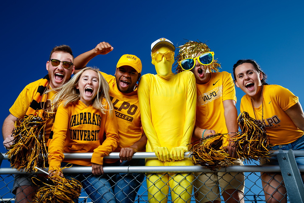 Valparaiso University students pose on campus in Valparaiso, Ind., September 15, 2018. Photo by Guy Rhodes.