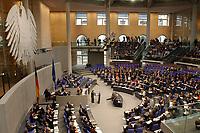 03 APR 2003, BERLIN/GERMANY:<br /> Plenum des Bundestages waehrend der Regierungserklaerung von Gerhard Schroeder, SPD, Bundeskanzler, zur internationelen Lage, Deutscher Bundestag<br /> IMAGE: 20030403-01-012<br /> KEYWORDS: Gerhard Schröder, Bundestagsdebatte, Bundesadler, Übersicht, Uebersicht