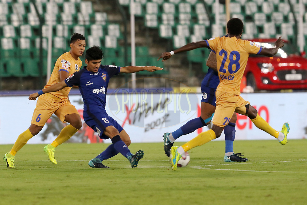 Anirudh Thapa of Chennaiyin FC tries to get past the defence of Mumbai City FC during match 27 of the Hero Indian Super League 2018 ( ISL ) between Chennaiyin FC and Mumbai City FC  held at the Jawaharlal Nehru Stadium, Chennai, India on the 3rd November 2018<br /> <br /> Photo by: Vipin Pawar /SPORTZPICS for ISL