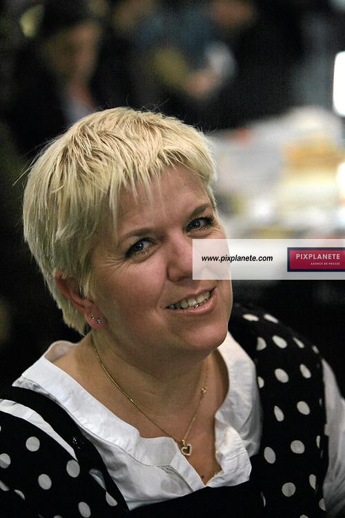Mimie Mathy - Salon du livre de Paris - 27/03/2007 - JSB / PixPlanete