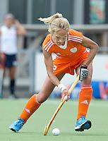 EINDHOVEN - Lauren Stam zaterdag bij de oefenwedstrijd tussen het Nederlands team van Jong Oranje Dames en dat van de Vernigde Staten. Volgende week gaat het WK-21 in Duitsland van start. FOTO KOEN SUYK