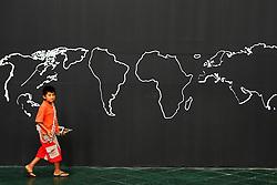 Criancas indigenas da tribo yanomami nas dependencias da Usina do Gasometro, sede do Forum Social Mundial 2010, em Porto Alegre. FOTO: Jefferson Bernardes/Preview.com