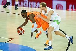 08-09-2015 CRO: FIBA Europe Eurobasket 2015 Slovenie - Nederland, Zagreb<br /> De Nederlandse basketballers hebben de kans om doorgang naar de knockoutfase op het EK basketbal te bereiken laten liggen. In een spannende wedstrijd werd nipt verloren van Slovenië: 81-74 / Jaka Blazic of Slovenia and Charlon Kloof of Netherlands. Photo by Matic Klansek Velej / RHF