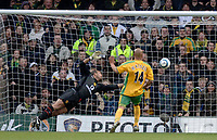 Photo. Glyn Thomas, Digitalsport<br /> Norwich City v Manchester United.<br /> Barclays Premiership. 09/04/2005.<br /> Manchester United's keeper Tim Howard (L) is left flapping at thin air as Leon McKenzie makes it 2-0 to Norwich.
