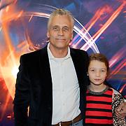 NLD/Amsterdam/20181009 - Imax vertoning First Man, Robert Schoemacher en dochter Livia